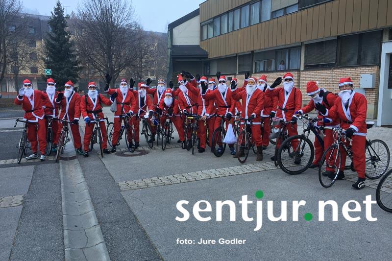 Božički na kolesih ponovno razveseljevali