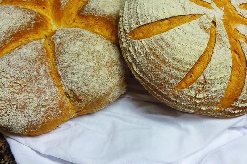 Klavdijin recept: Speci si najbolj enostaven kruh