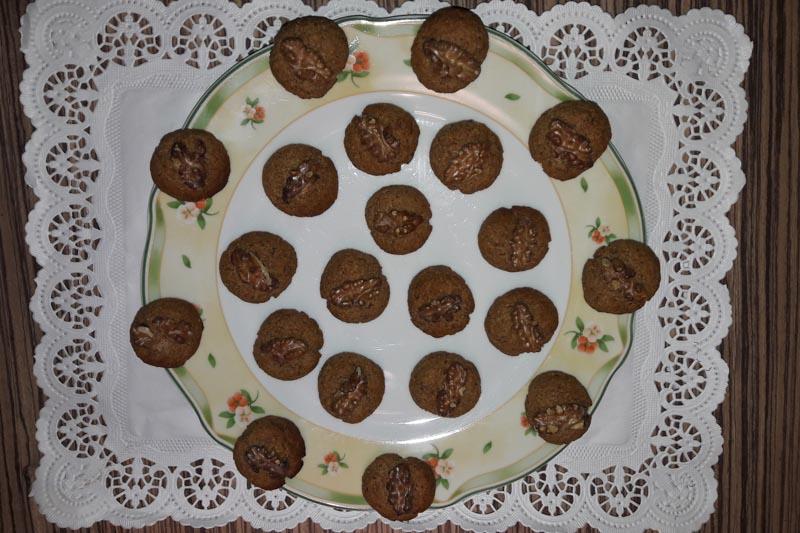 Decembrski dnevi: Mehki medenjaki z orehi